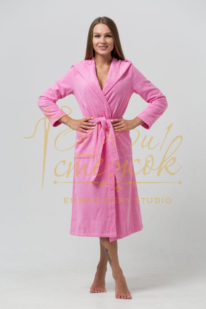 Женский халат с капюшоном категории «Премиум Россия» с именной вышивкой (Розовый)