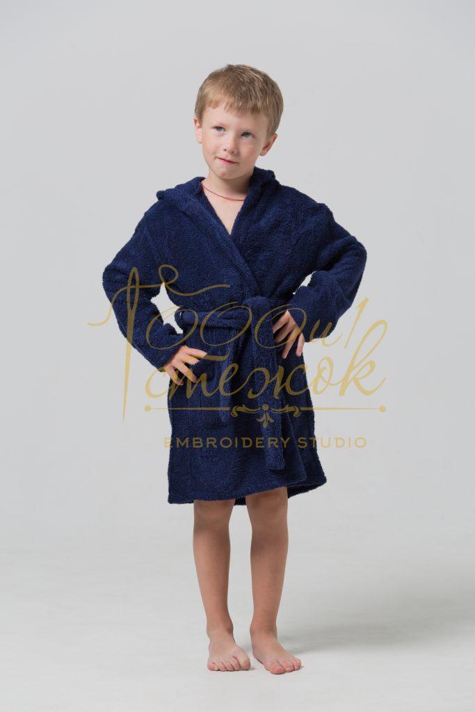 Детский халат с капюшоном категории «Стандарт» с именной вышивкой (Темно-синий)